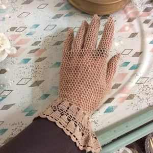 Handmade Crochet Lace Vintage Gloves Austria
